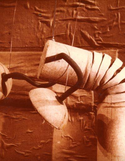 """2. F. Puntar """"Ljuljaška"""", Malo Pozorište """"Duško Radović"""", Beograd, 1978, režija-Edi Majaron, kreacija lutaka, kostimi i scenografija-Milena Jeftić Ničeva Kostić"""