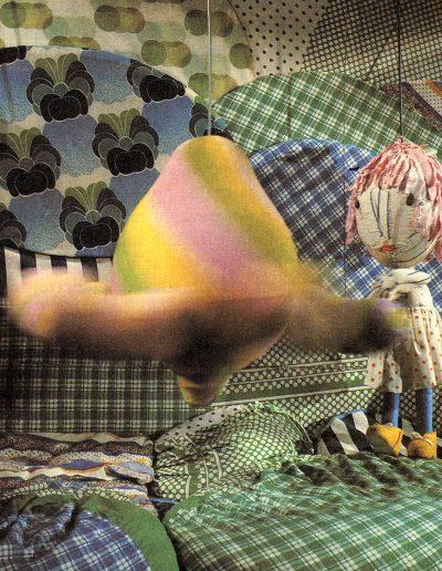 """4. F. Puntar """"Ljuljaška"""", Malo Pozorište """"Duško Radović"""", Beograd, 1978, režija-Edi Majaron, kreacija lutaka, kostimi i scenografija-Milena Jeftić Ničeva Kostić"""