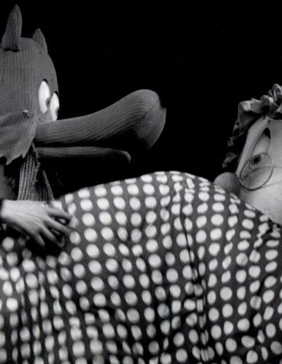 """A. Ilkov """"Čika Bajkine bajke"""", Pozorište mladih, 1975, režija-Atanas Ilkov, kreacija lutaka-Iva Hadžijeva, scenografija-Boris Čerškov"""